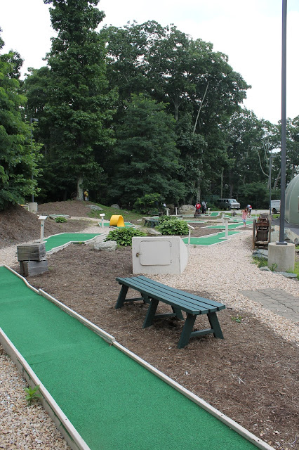 miniature golf near Fenton Inn VA
