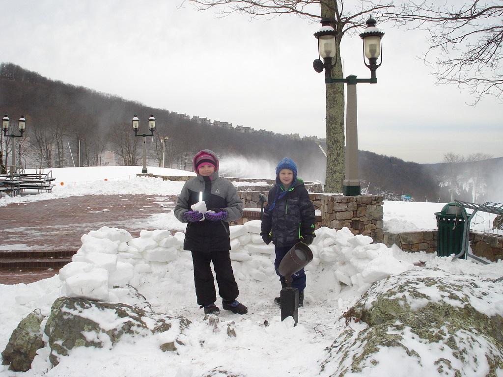 snowmaking-at-wintergreen-fenton-inn