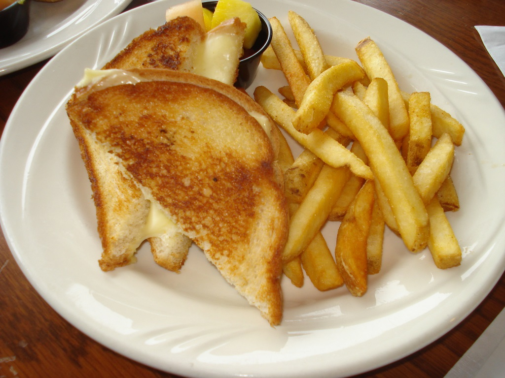grilled-cheese-near-fenton-inn